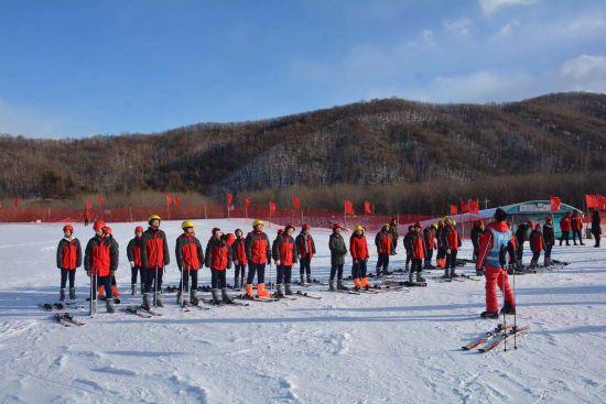 双鸭山青少年冰雪培训基地