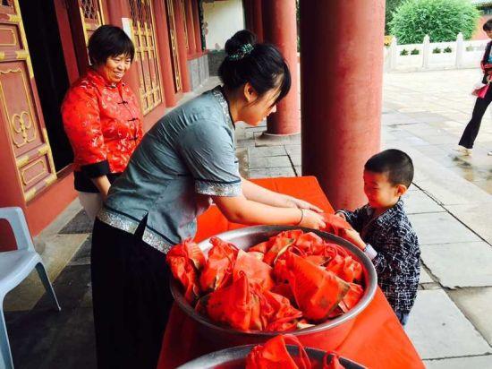 尔滨文庙举行 拜孔子 送红蛋 及开蒙礼活动
