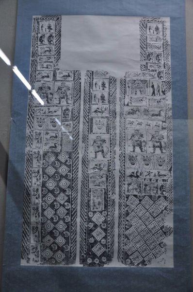 """画像砖作为墓室结构的组成部份,本是汉代""""事死如事生""""厚葬之风的产物"""