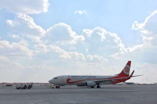 过夜飞机达到5架,已开通哈尔滨始发,飞往天津,福州,太原,南宁,宜昌,海