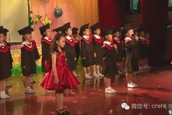 哈尔滨蓝天幼儿园的小朋友们已经开始用歌声与舞蹈